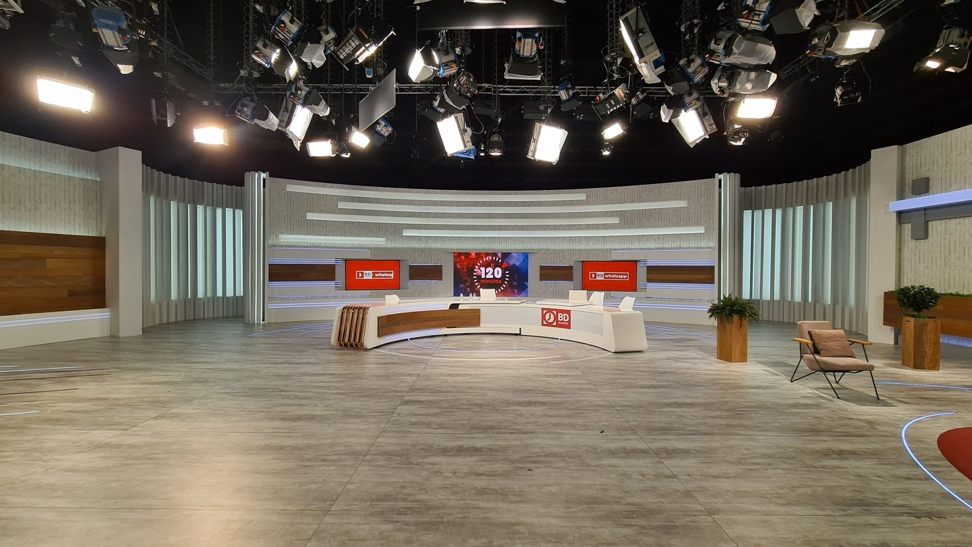 CONSTRUCCION DECORADO TV Buenos Dias Madrid para TELEMADRID por COLORKREIS_01